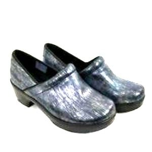 Lands End blue black silver striped clogs